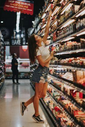 Nuove opzioni di ritiro della spesa alimentare aumentano il fatturato dei supermercati in America